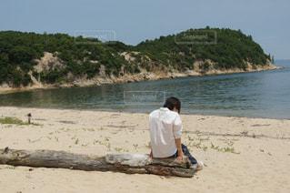 自然,海,空,島,後ろ姿,人物,背中,人,後姿,流木