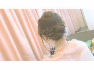 屋内,後ろ姿,結婚式,人物,人,ネックレス,ミラー,結婚式ドレス