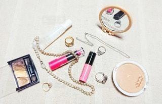 かわいい,指輪,鏡,ネックレス,リング,美容,ミラー,リップ,コスメ,化粧品,リップスティック,シルバー,ペンダント,フォトジェニック,インスタ映え
