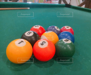 ひし形に揃っている球の写真・画像素材[2186760]