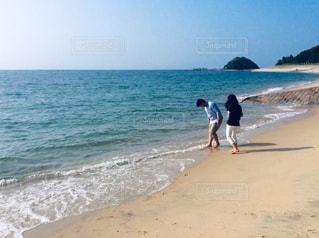 砂浜デートの写真・画像素材[2674304]