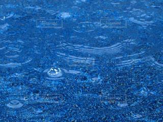 いろんな形の雨の写真・画像素材[2189925]