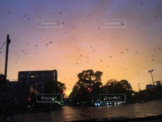 雨,夕焼け,オレンジ,夕焼
