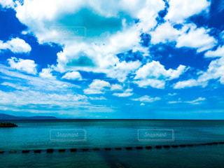 海と夏空の写真・画像素材[2325212]
