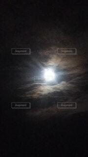 自然,風景,空,月,満月,雲の間から満月