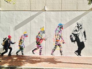 建物,散歩,道路,アート,壁,デザイン,歩道,ストリート,レジャー,野外,お散歩,成長,ライフスタイル,おでかけ,壁画,グラフィティー,人間,自分,ウォール,ウォールアート,おしゃれ,ストリートアート,進化,ウォールペイント