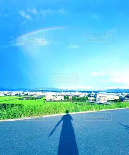 虹と私の写真・画像素材[2597267]