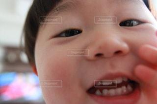 自撮り,セルフィー,アップ,こども,幼児,少年,男の子,セルフショット,初めての自撮り