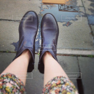 ブーツをはいた足の写真・画像素材[2701881]