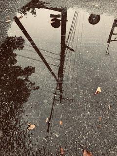 屋外,水たまり,水面,道,雨上がり,通り,日中