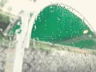 雨,車,窓,水滴,バス,バス停,雨粒,窓から