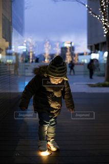 子ども,屋外,イルミネーション,グランフロント大阪,うめきた広場,シャンパンゴールド