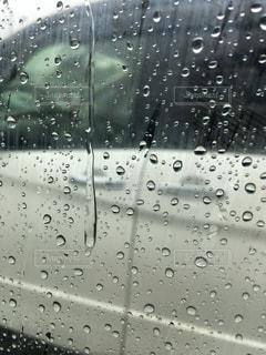 雨,雫,車の窓