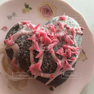 スイーツ,ピンク,おやつ,皿,ハート,チョコレート,可愛い,おうちカフェ,ドーナツ,チョコ,うちカフェ,お皿,マーク,おしゃれ,フォトジェニック