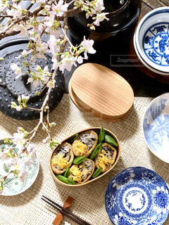 お花見気分でお弁当の写真・画像素材[3134240]