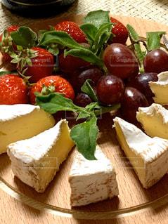 フルーツとチーズの写真・画像素材[3147588]