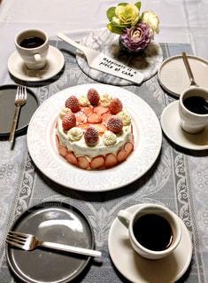 バースデーケーキの写真・画像素材[3196002]
