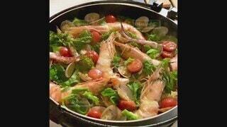 食べ物,食事,温かい,フード,トマト,パスタ,チーズ,料理,湯気,おいしい,美味しい,パエリア,ニョッキ,手作り,エビ,魚介類,海老,飲食,フードフォト