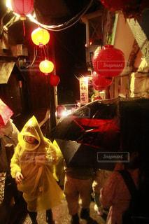夜,雨,屋外,台湾,九份,レインコート,雨の日