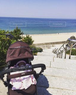 海,空,晴れ,散歩,女の子,赤ちゃん,日光浴,朝,ベビーカー,娘