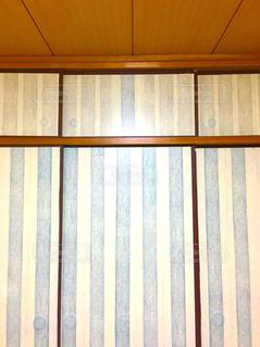 壁にみえるようにDIYした和室の襖の写真・画像素材[2248995]