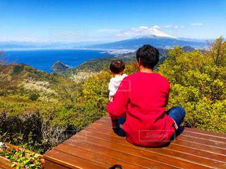 自然,風景,空,富士山,屋外,山,人物,人,肩車,展望台,ハイキング,パパ,男の子,草木,眺め,お父さん,父の日