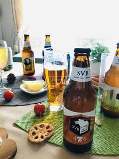 クラフトビールのある週末の写真・画像素材[2816298]