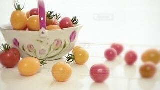 食べ物,屋内,トマト,野菜,皿,ミニトマト,食品,イエロー,レッド,食材,フレッシュ,ベジタブル