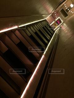急な階段の写真・画像素材[2199237]