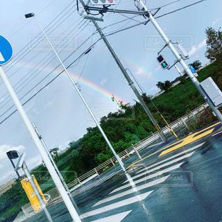 雨,虹,早朝
