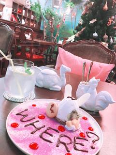 女子力100♡ 真っ白うさぎのケーキの写真・画像素材[2252020]