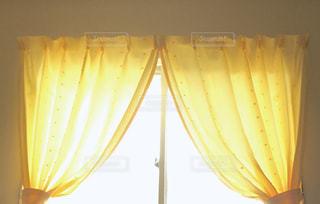 カーテンのクローズアップの写真・画像素材[2204889]