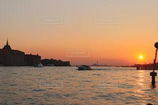 風景,海,空,屋外,湖,太陽,ビーチ,ボート,夕暮れ,船,水面,光,日中,水上バイク