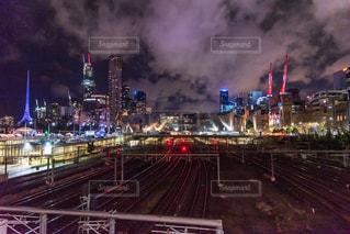 夜のメルボルンの写真・画像素材[2716454]