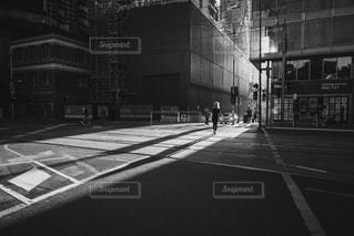 夕陽と影の写真・画像素材[2916731]
