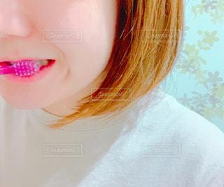 歯磨き中の写真・画像素材[2472549]