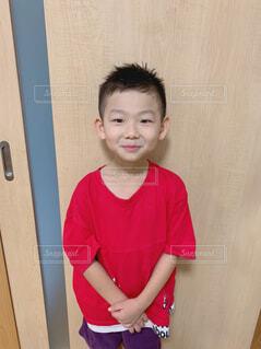 散髪後の少年の写真・画像素材[4405856]