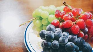 食べ物,秋,フルーツ,果物,皿,マスカット,シャインマスカット,ぶどう,巨峰