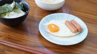 朝食の目玉焼きの写真・画像素材[1854592]