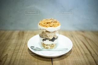 栗とコーヒーのパフェの写真・画像素材[2712518]