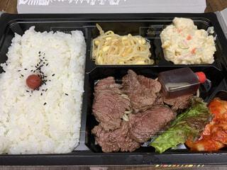 食べ物,飲み物,お弁当,ご飯,料理,出前,お肉,焼き肉,宅配,テイクアウト,白米,デリバリー,お持ち帰り,焼き肉弁当