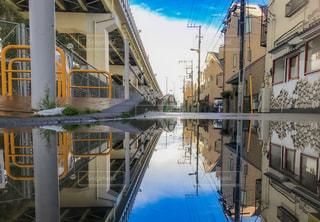 雨上がりの鏡の写真・画像素材[2226007]