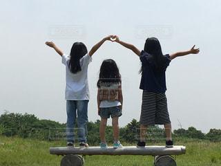 風景,草原,少女,可愛い,三姉妹,ハートフォト