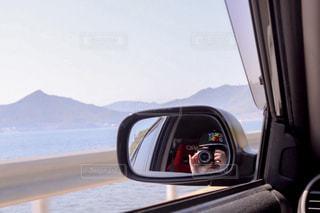 女性,海,カメラ,乗り物,自撮り,車,セルフィー,自動車,写真,ミラー,セフルショット