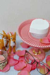 カップのように見えるように作られたケーキの写真・画像素材[2884952]