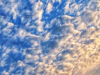 空に雲の群しをするの写真・画像素材[2412291]