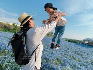 男性,家族,花,親子,週末,人物,人,絆,ネモフィラ,パパ,息子,ほっこり,ありがとう,お父さん,お出かけ,父の日,感謝,子供の成長,6月16日