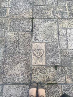足元,女,ハート,石畳,石,ハートの石
