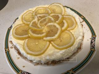 食べ物,ケーキ,果物,皿,机,リラックス,レモン,おいしい,おうちカフェ,手作り,菓子,ライフスタイル,レシピ,レモンパイ,おうち時間,家時間