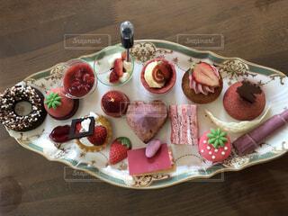 食べ物,ケーキ,屋内,テーブル,果物,皿,リラックス,チョコレート,甘い,甘味,おいしい,おうちカフェ,ドリンク,マフィン,誕生日ケーキ,おうち,菓子,ライフスタイル,スナック,イチゴ,ペストリー,おうち時間